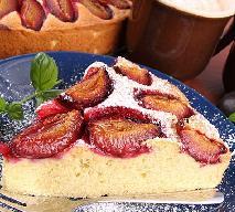 Szybkie ciasto ze śliwkami - przepis na proste ciasto z owocami