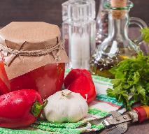 Przetwory z papryki: przepis na paprykę w przecierze pomidorowym