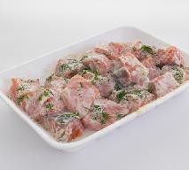 Przystawka z marynowanego łososia [ceviche]