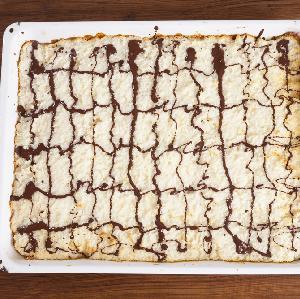 Mazurek kokosowy - dobry przepis na wielkanocne ciasto