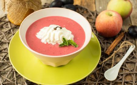Dietetyczna zupa z jabłkowo-różana