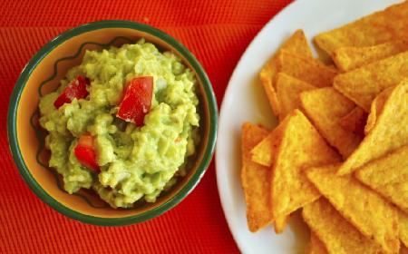Sos guacamole: klasyk kuchni meksykańskiej [przepis]