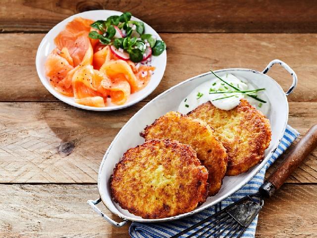 Filet rybny w panierce z tartych ziemniaków: przepis na
