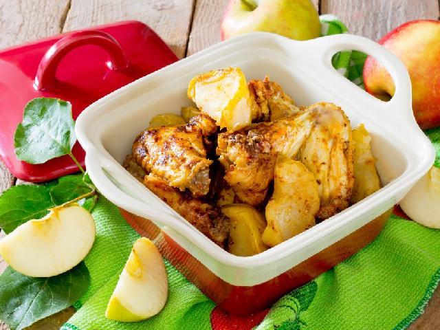 Kurczak Z Warzywami I Jablkami Przepis Na Dietetyczne Danie Ktore
