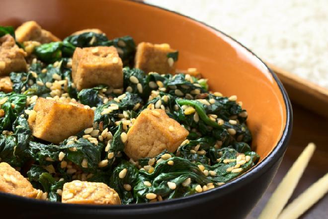 Co zrobić z tofu? Do jakich dań pasuje ser tofu?
