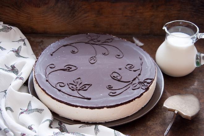 Tort ptasie mleczko - pyszny, elegancki i bez pieczenia