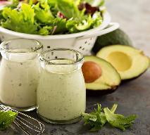 Lekkie sosy do sałat - 2 przepisy na pyszne sosy do warzyw