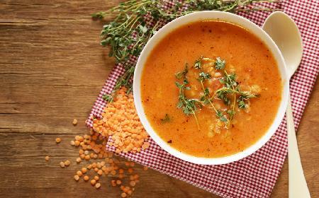 Zupa z czerwonej soczewicy z menu beszamel
