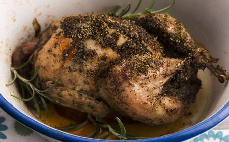 Przepiórka smażona z sosem tymiankowym: pomysł na pyszny obiad