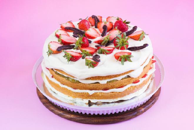 Trójkolorowy tort: jak upiec?